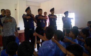 ব্রাহ্মণবাড়িয়ায় শিক্ষার্থীদের ট্রাফিক আইন মেনে চলার শপথ