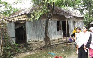 সরাইলে হত্যাকাণ্ডের জেরে হামলা-ভাংচুর, এলাকা পুরুষশুন্য