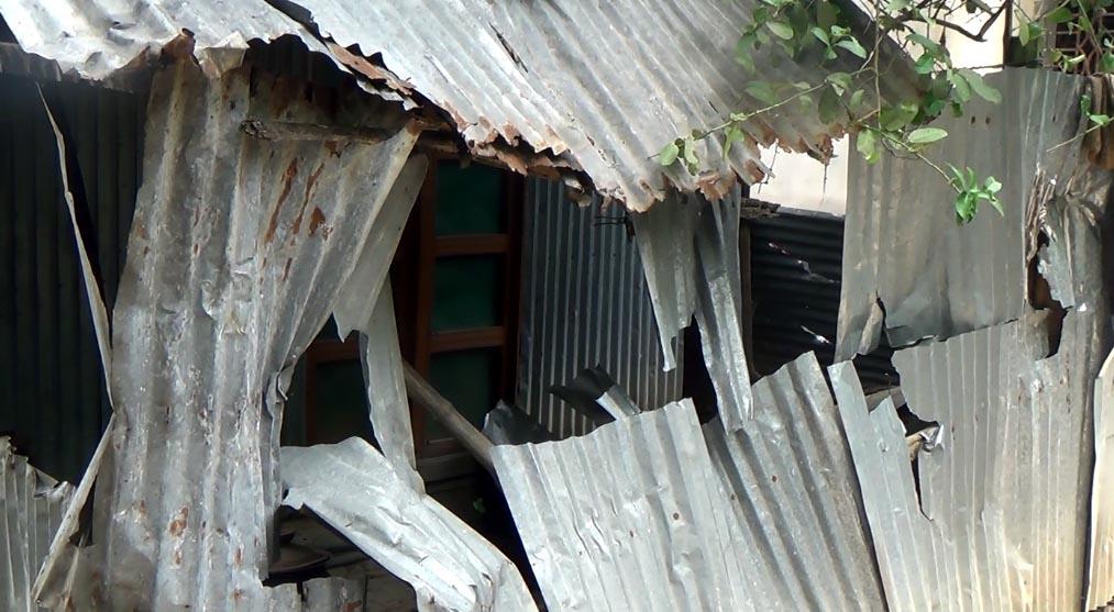 কসবায় পাওনা টাকাকে কেন্দ্র করে হামলা ও লুটপাট, আহত-৬