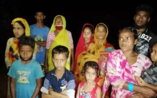 কসবা সীমান্তে ভারতীয় ১২ নারী-পুরুষকে বাংলাদেশে পুশইনের চেষ্টা